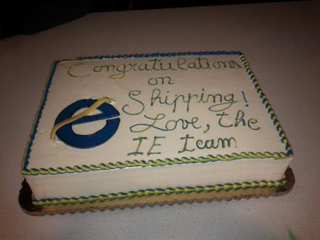 Gâteau offert par Microsoft à l'équipe du logiciel libre et open source Firefox.